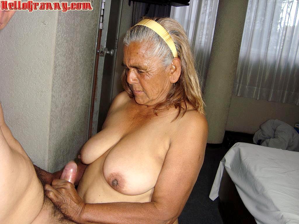 Mature granny porn pics